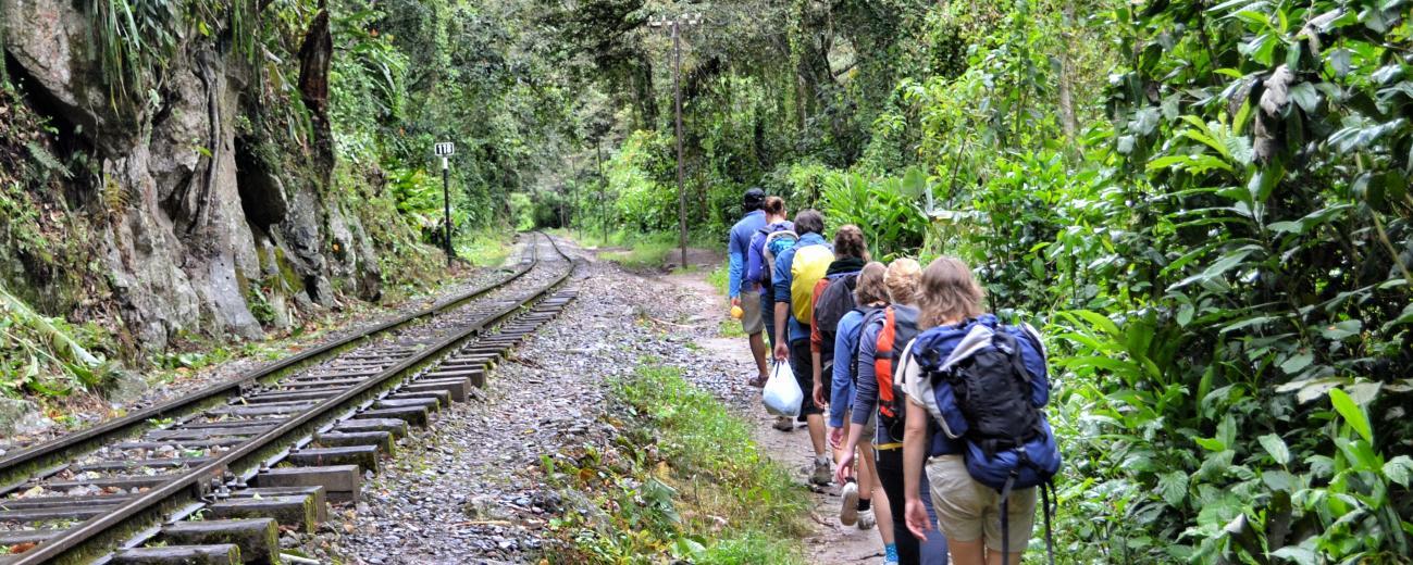 Trekking to Machupicchu